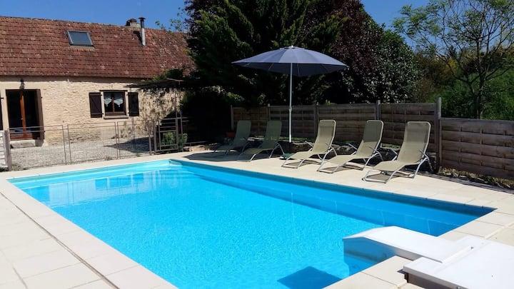 Le Caloufet Maison en  pierre avec piscine privée