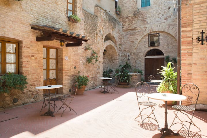 san gimignano apartment 6 px  parking  WiFi  7