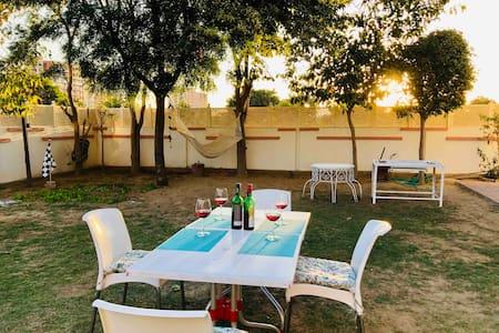 1 Private Room & Full Access to Posh Villa