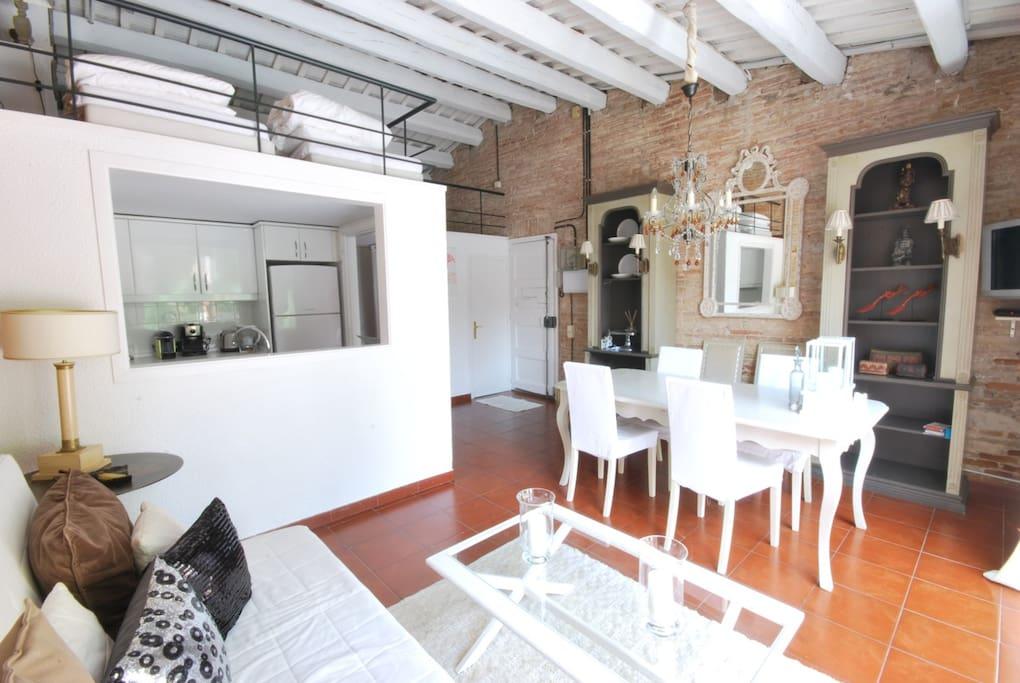 Accogliente terrazza wifi e a c appartamenti in for Appartamenti barcellona affitto economici