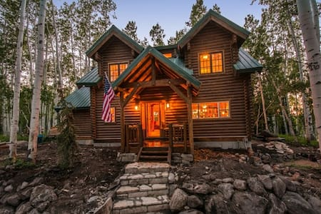 Lake Creek Cabin 5 Bedrooms + Loft - Heber City - Chatka