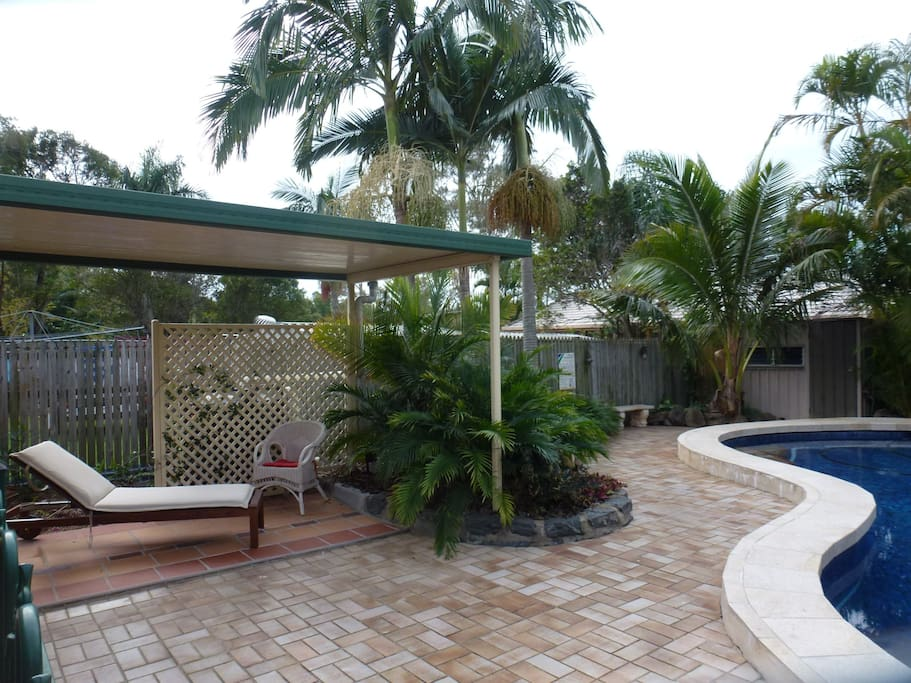 The spacious pool and garden offers space to relax.