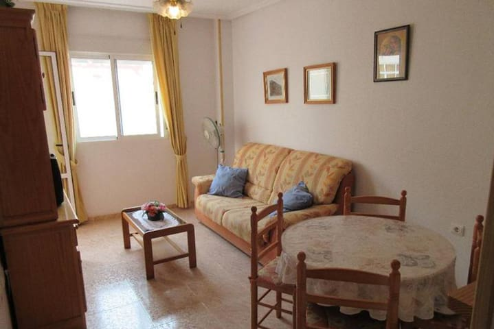 Appartment quiet and less than 500m from the beach, near restaurants