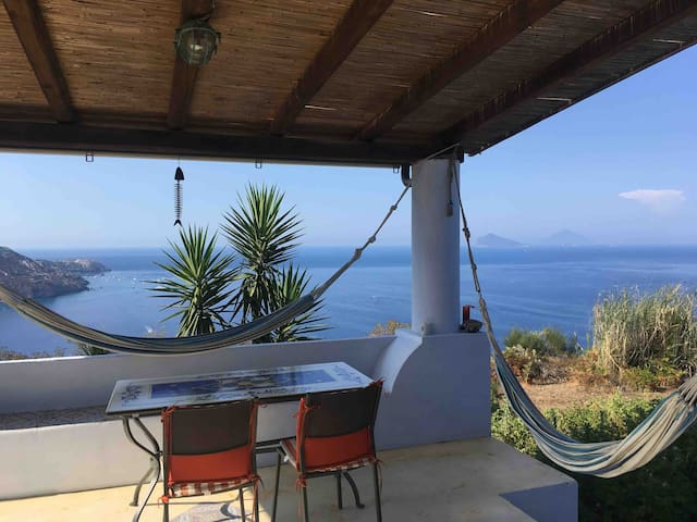 Atollo Lipari peace and quiet and stunning views!