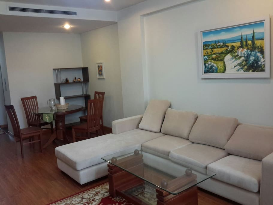 A home at hanoi 39 s heart apartments for rent in hai ba for Dining room 95 hai ba trung
