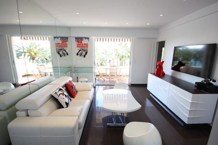 Superb, modern apartment on the Croisette with a sea view!  Magnificent ... - Cannes - Apartament