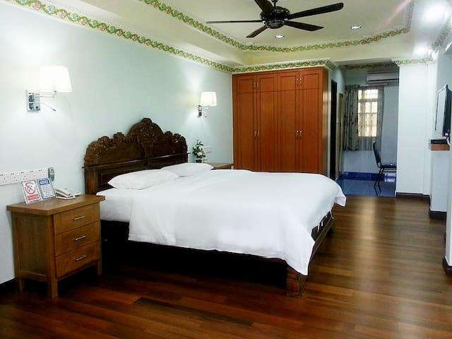 Ben & Roz Inn Double Bed 1 - Kota Kinabalu - Bed & Breakfast
