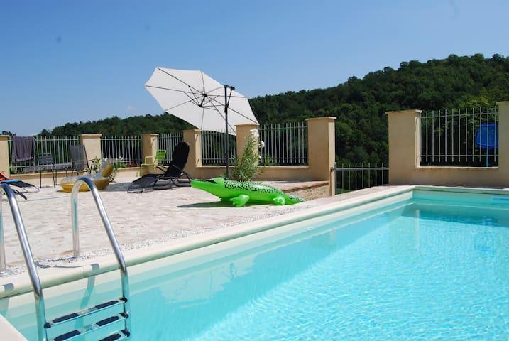 Italian countryside - Sarnano - Hus