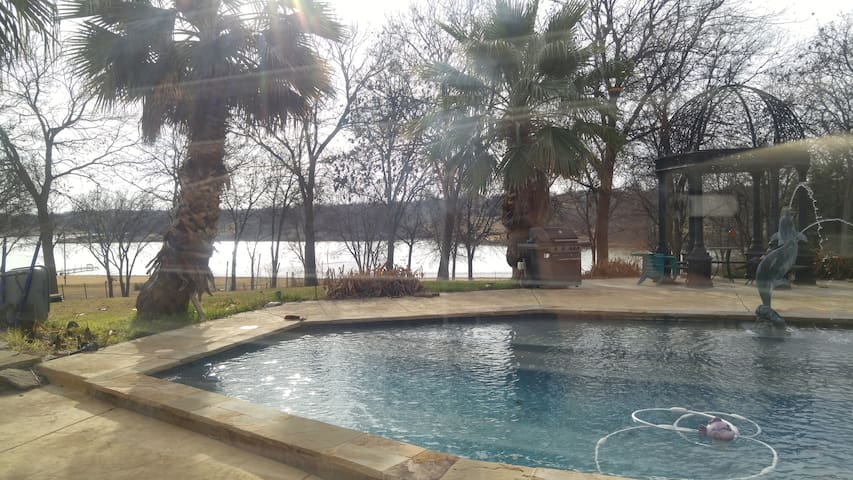 Resort Style Accomodations, Pool Side, Lake Side