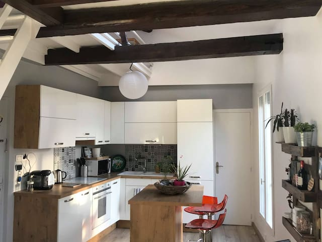 Superb duplex very close to metro & Eiffel Tower