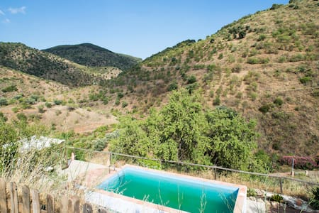 Lovely small cottage lost in the mountains - Malaga