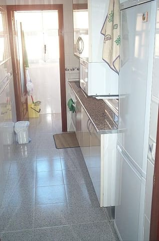 Nice sunny shared apartment - Salamanca - Apartamento