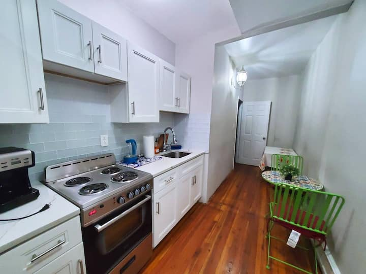 ✤Sleeps 9 | 3 BDRM | 2 BATHRM | Wifi | EZ Parking✤