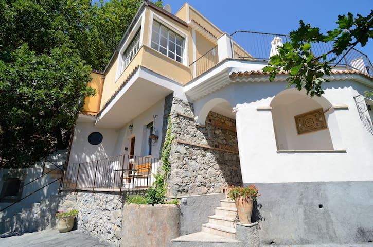 Villa Taormina Beach 5 bedrooms