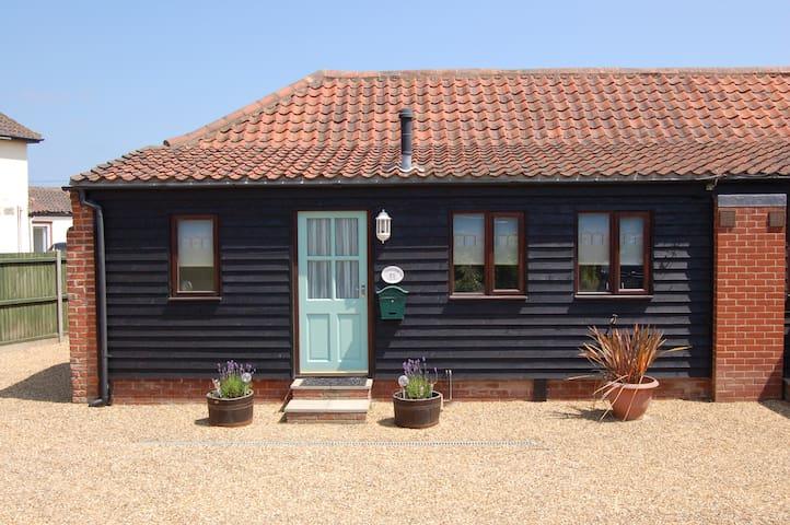Adelaide Cottage, Bacton, Norfolk - Bacton - Casa