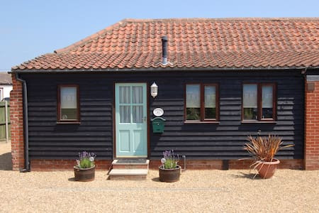 Adelaide Cottage, Bacton, Norfolk