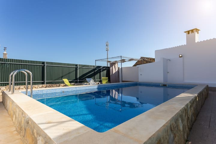 Moustachya House! Unique Exclusive Faro Pool Villa