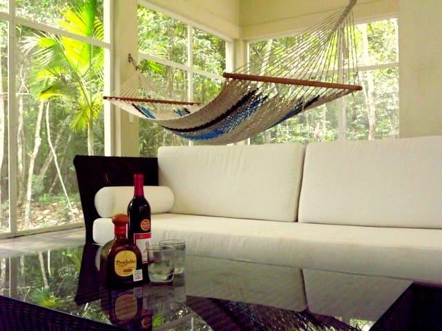 Glorious Retreat in the Jungle - Tulum - Dům
