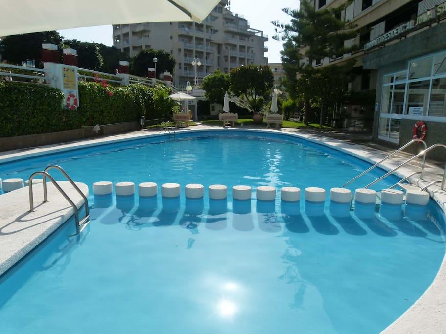 salou portaventura piscina 80mts del mar appartements louer salou catalunya espagne. Black Bedroom Furniture Sets. Home Design Ideas