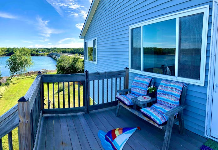 (OCEANFRONT) Taunton Bay Retreat