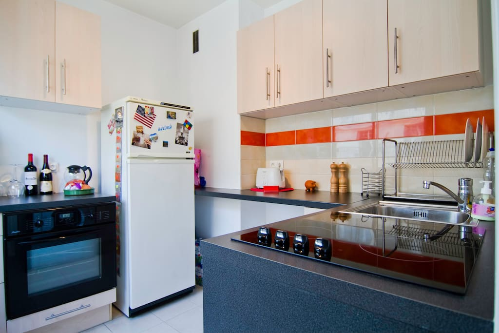 A fully equipped kitchen
