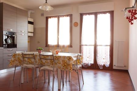 The Sunny House, a un passo da VE! - Condominio