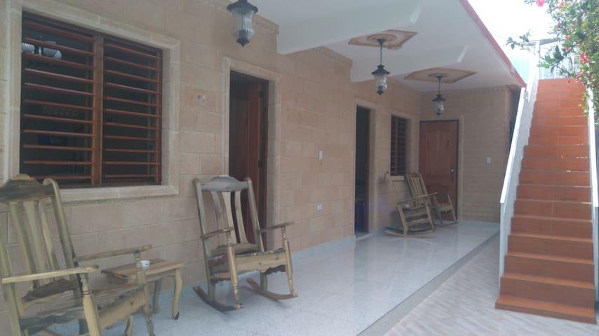 Casa Colonial Familia Azcuy.wiffi gratis