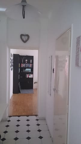 Cool 1 bedroom apartment in dis.9 - Budapeşte - Daire