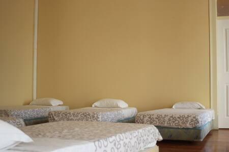 FaroWay Hostel - 6 Bed Dorm - Faro