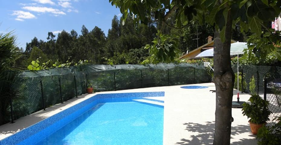 House T1 with shared Swimingpool - Estação - Casa