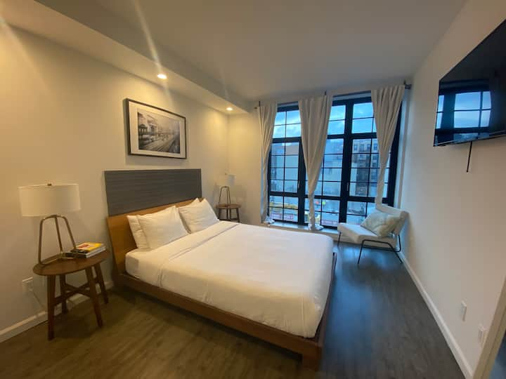 Bowery Queen size room