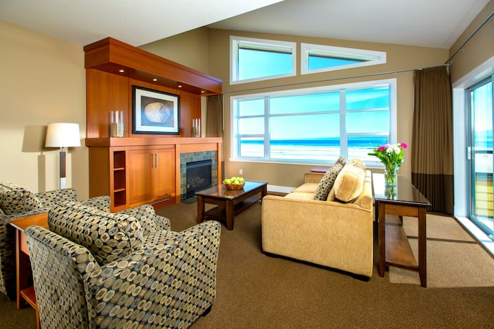1BR Spacious Beach Front Suite