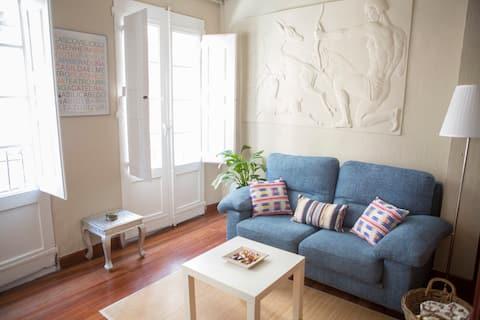 Apartamento 39 m centro del Casco Viejo. EBI-00281