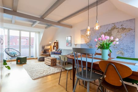 Cozy penthouse with balcony in the centre of Århus - Aarhus - Apartment