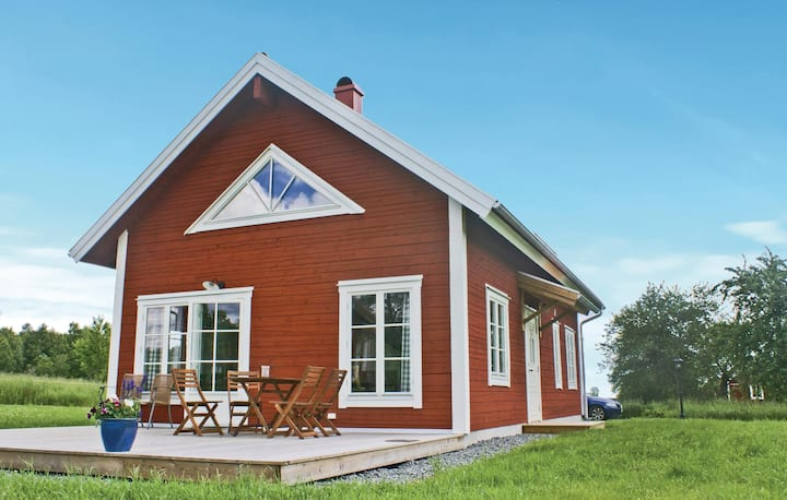 Stunning home in Vetlanda with WiFi and 3 Bedrooms
