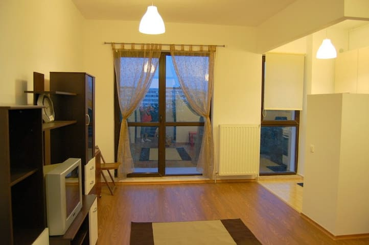 Cozy studio close to metro - București - Byt