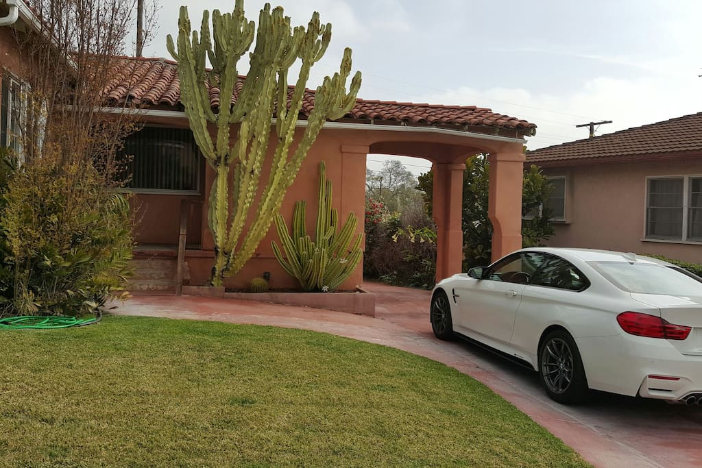 Front yard and no the car isn't available