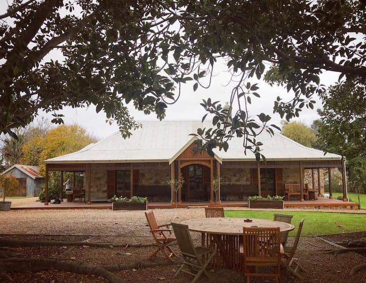 Claydon Park Farm Stay on 100 Acres