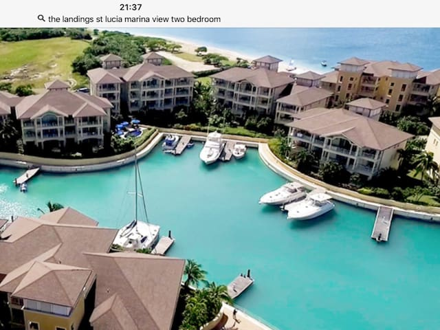 ST LUCIA LUX CONDO ON BEST BEACH!! Many amenities