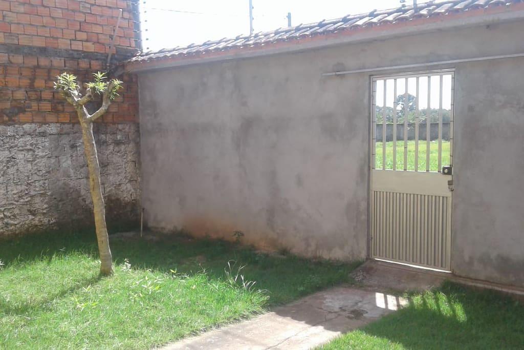 Espaço anterior da casa