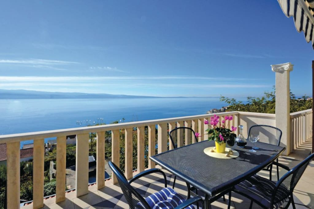 Welcome to the our property! Enjoy magnificent view of islands Brač, Hvar...