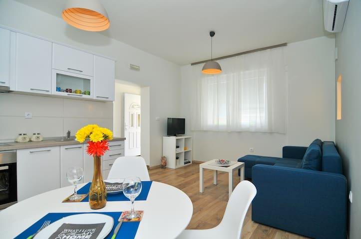 Brand New Sea Style Apartment - Tivat - Apartament