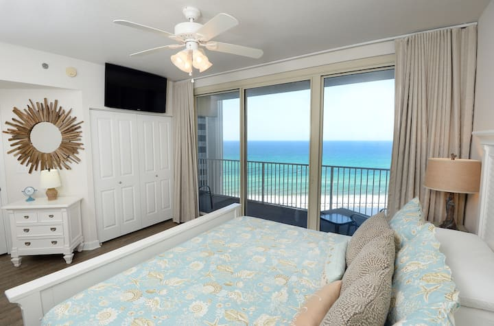 Ocean View!!!  Two bedroom with bunk room.