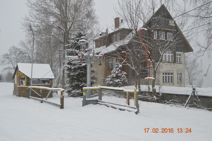 Doskonała lokalizacja dla narciarzy i snowboardzistów