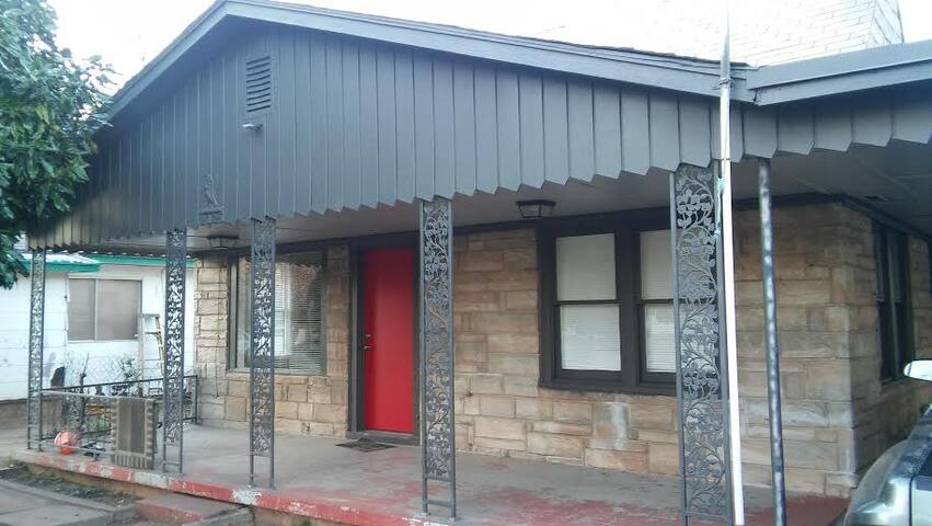 Two Bedroom Close to OK RIVER/BRICKTOWN!