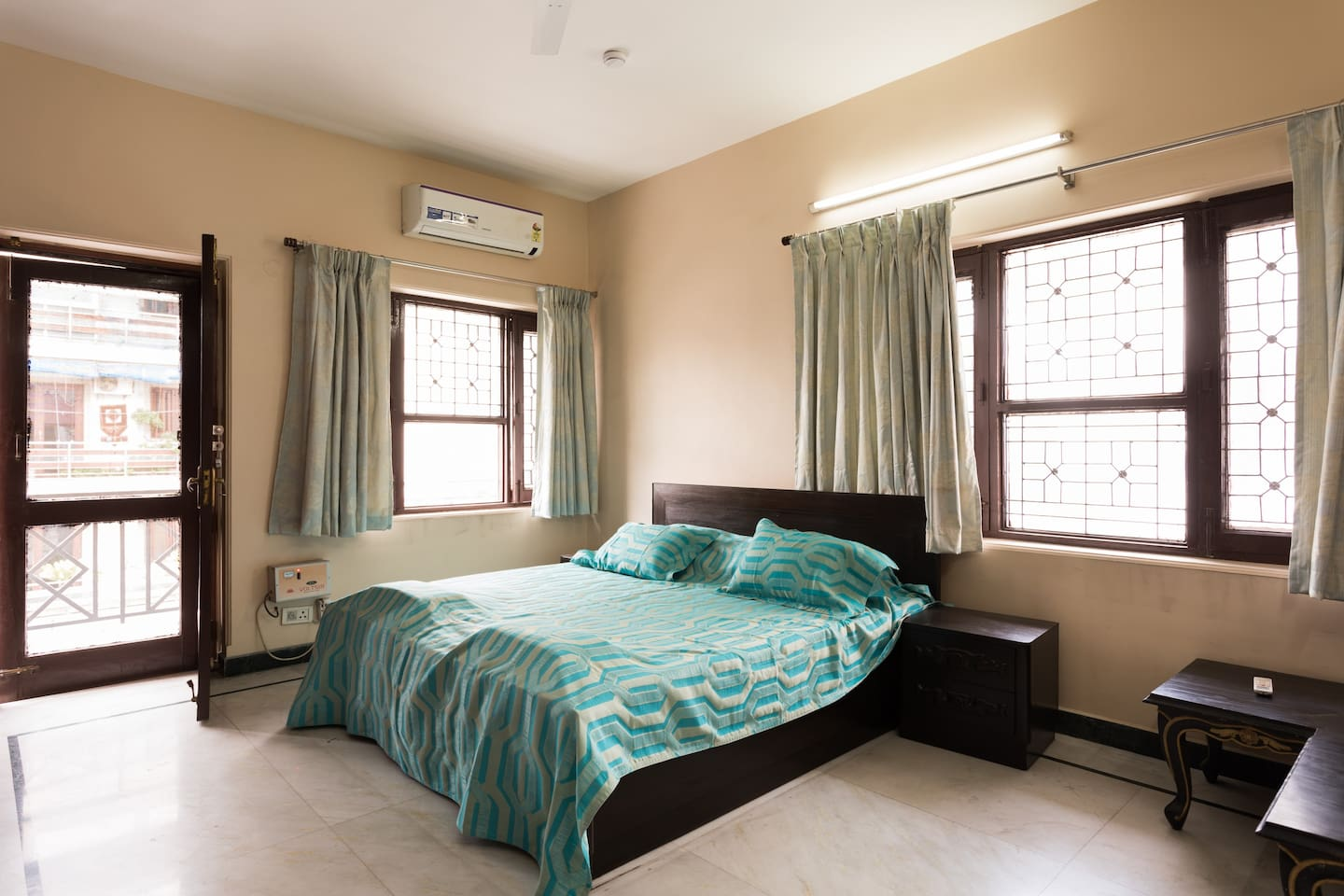 Bedroom2-For you to enjoy A Good Nights Sleep After a Hard Day on a perfect mattress.Windows on both sides ensure your bed room is well lit and airy if you need it that way. Delight In The large Comfortable Beds And Awaken Bubbling With Energy.