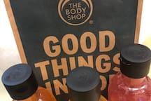 沐浴露:橙味,茉莉花味,酒香味,非常受歡迎