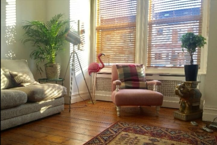 Cosy ground floor flat with garden