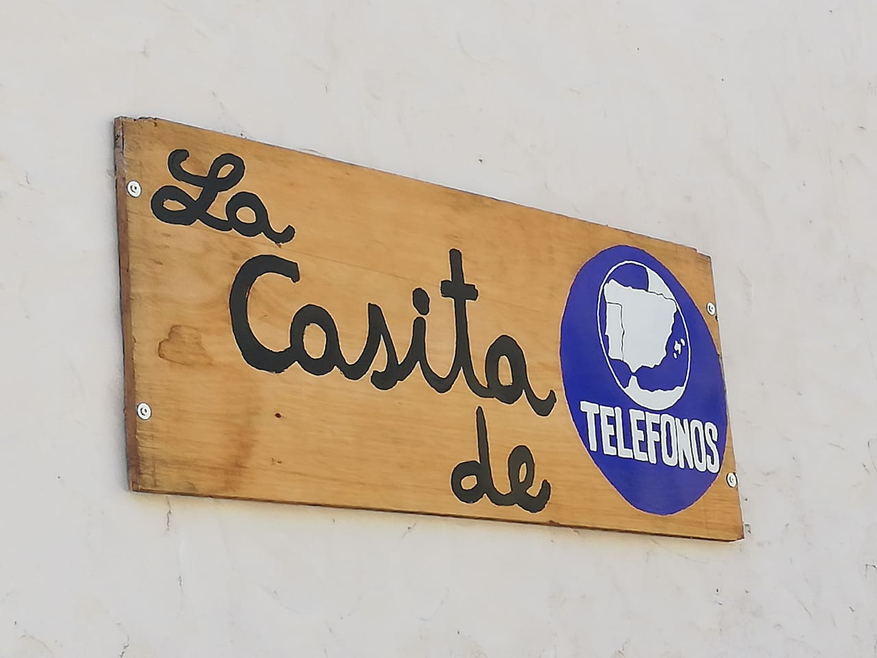 La casita de teléfonos, disconnect and enjoy