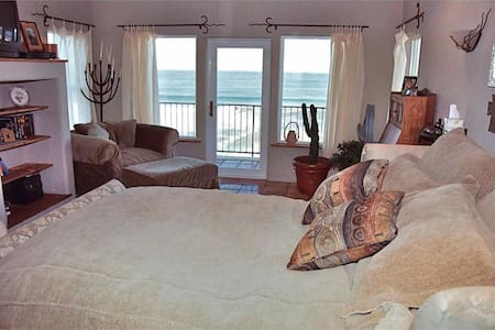 Hacienda Beach House - Gold Beach